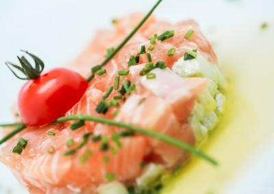 Tartare de saumon et concombre à la ricotta